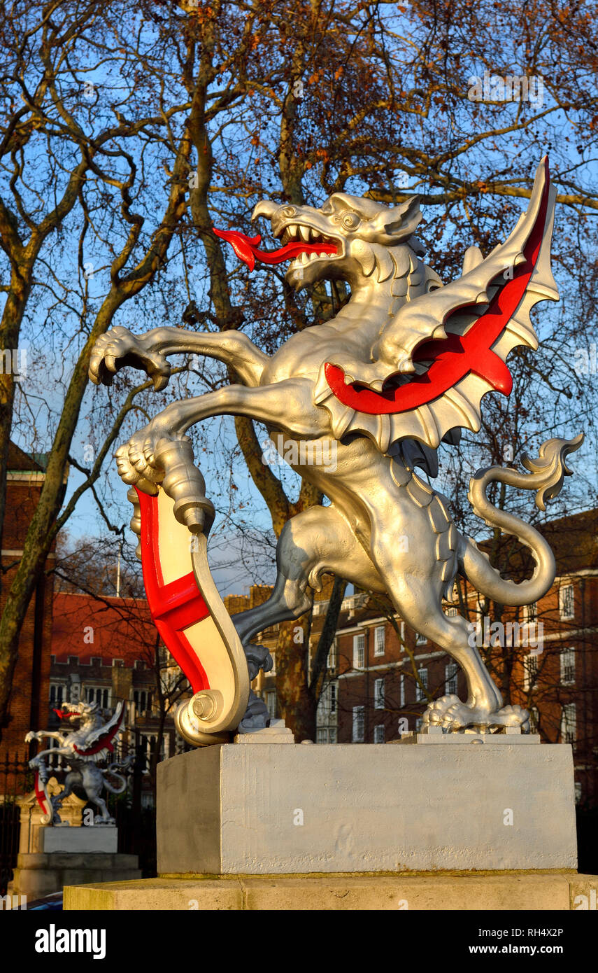 London, England, UK. Dragon marking the boundary of the City of London, Victoria Embankment.  Cast iron model, design based on two large dragon sculpt - Stock Image