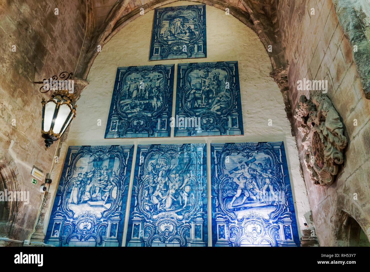 Lisbon, Portugal Carmo Convent Azulejos. Blue tiles decorations with historic figures in the Carmo Archeological museum. - Stock Image