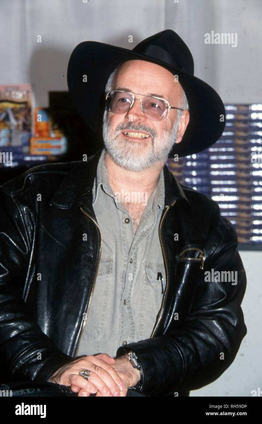 TERRY PRATCHETT (1948-2015) English author of fantasy novels in 2000 - Stock Image