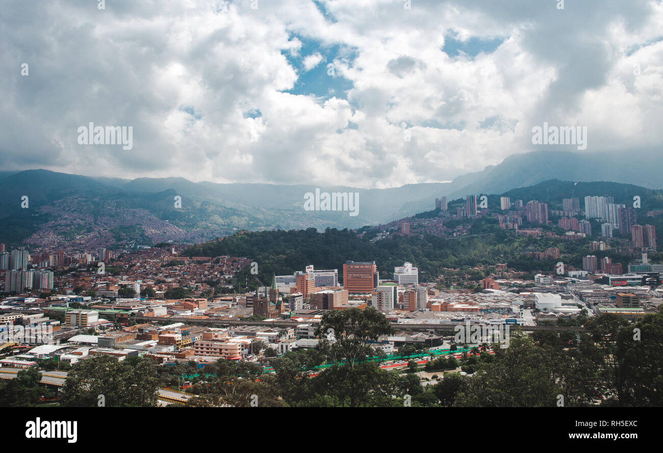 Views over the sprawling valley city of Medellín, Colombia Stock Photo
