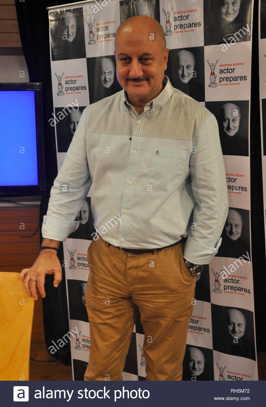 Bollywood actor Anupam Kher during a Master Class lecture with students of Actors Prepares Acting School in Mumbai, India on July 18, 2013. (Deven Lad) - Stock Image