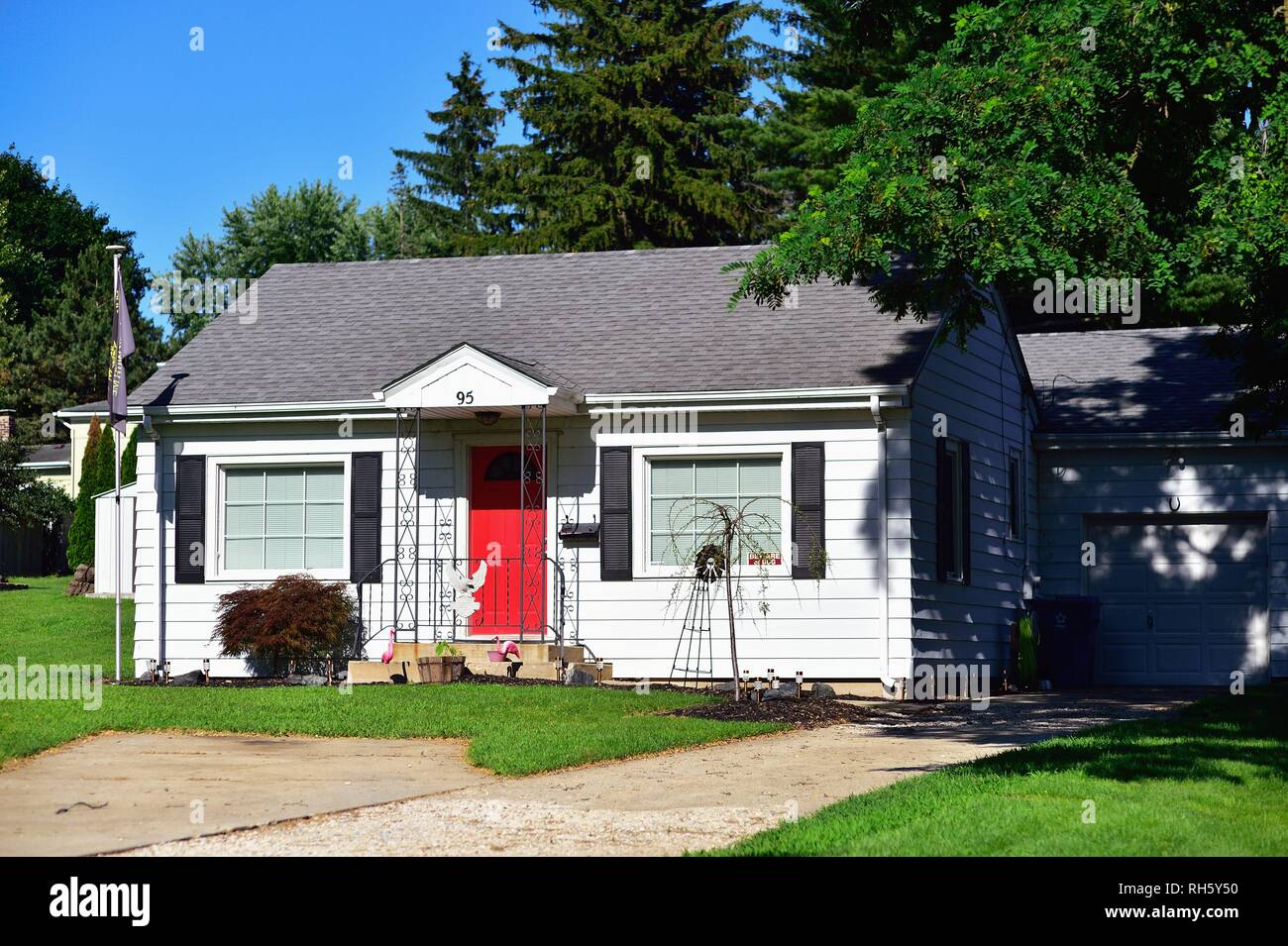 South Elgin, Illinois, USA. A very small, tidy home in suburban Chicago. - Stock Image