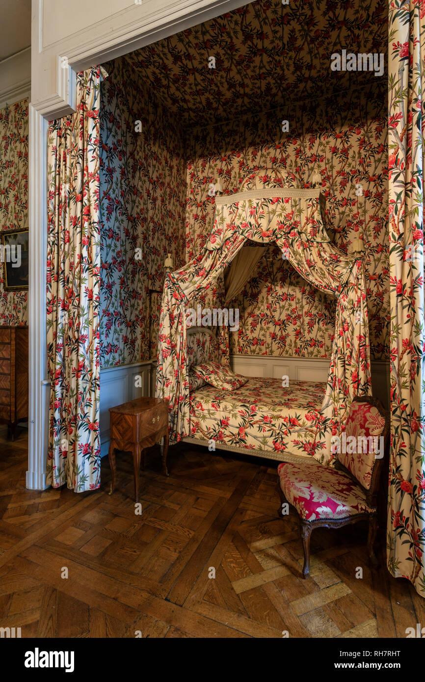 France Loir et Cher Chambord Chambord castle eighteenth bedroom canopy bed said Polish bed // France Loire-et-Cher (41) Chambord château de C & France Loir et Cher Chambord Chambord castle eighteenth bedroom ...