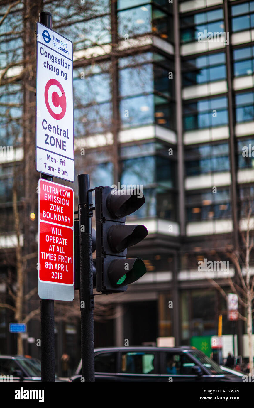 London Congestion Zone - sign marking the start of the London Congestion Charging Zone near Old Street Roundabout in Central London - Stock Image