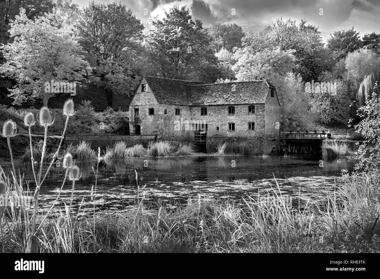 Infrared monochrome image of Sturminster Newton Mill in Dorset - Stock Image