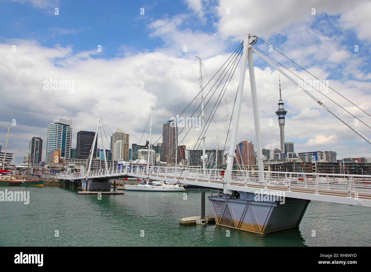 City view of Auckland, with high rise skyscrappers in the background, Noth Island, New Zealand. - Stock Image