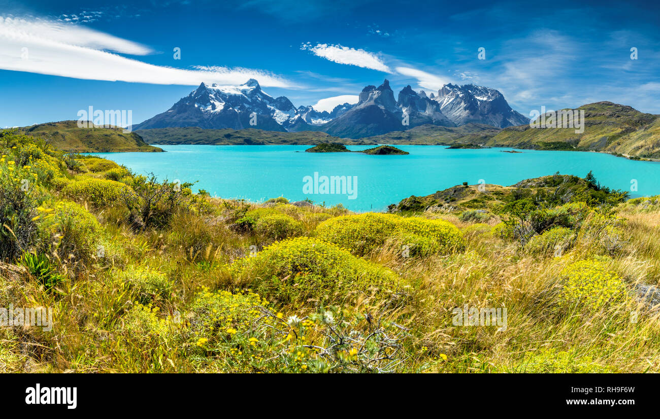 Lago Pehoé and the worldfamous view of the Torres del Paine Massiv. Stiched panorama taken on a hike - Stock Image
