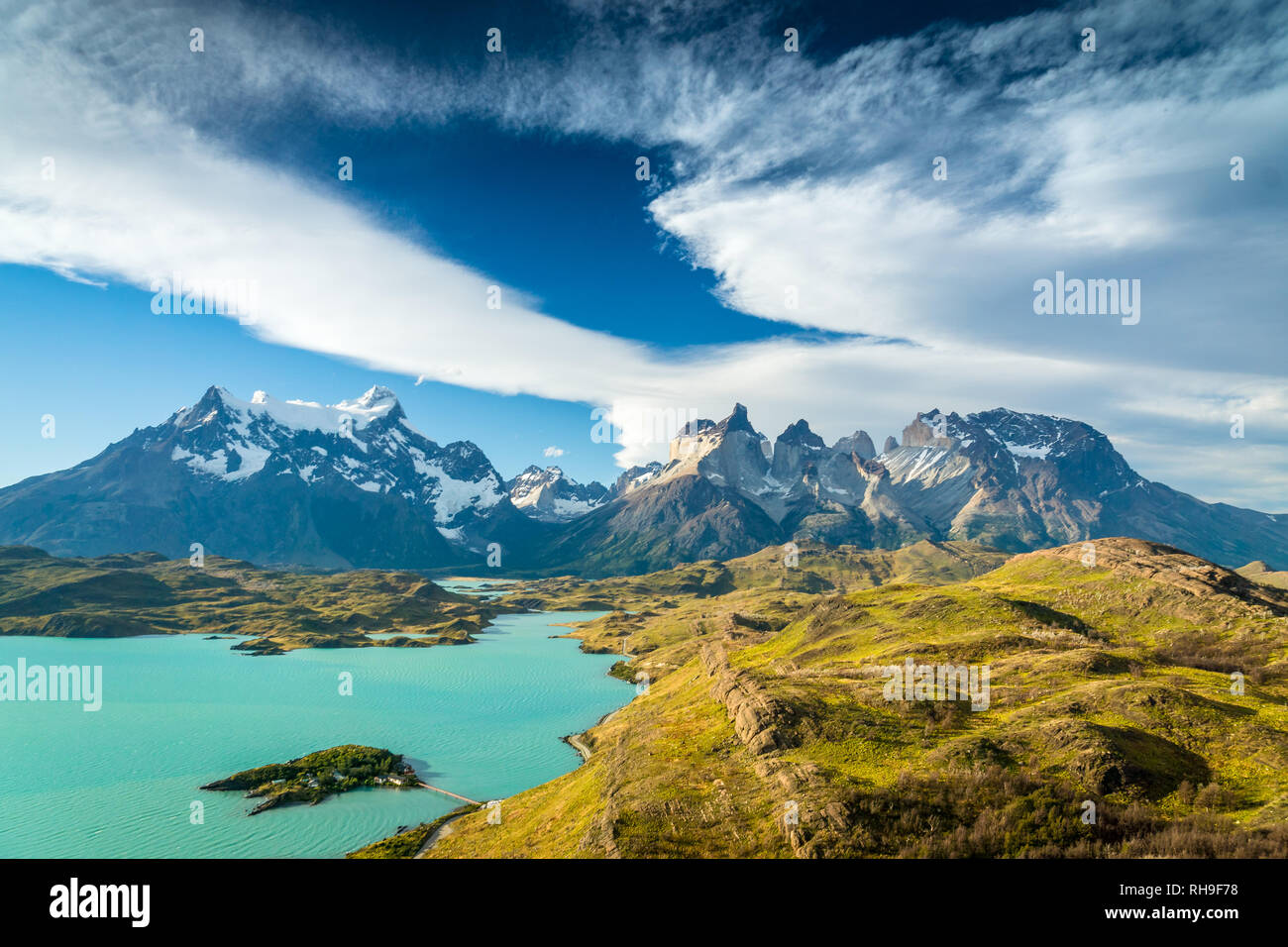 Lago Pehoé and the worldfamous view of the Torres del Paine Massiv - Stock Image