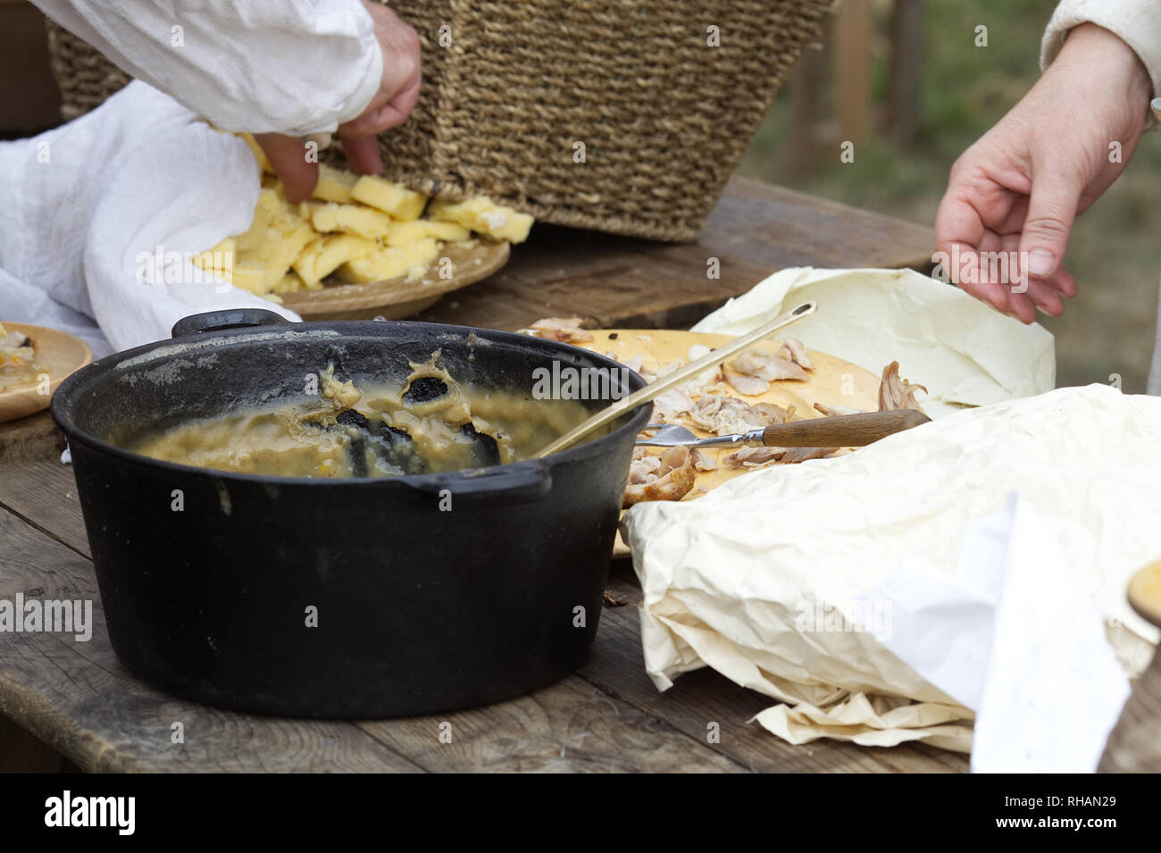 feeding the armies in medieval times - Stock Image