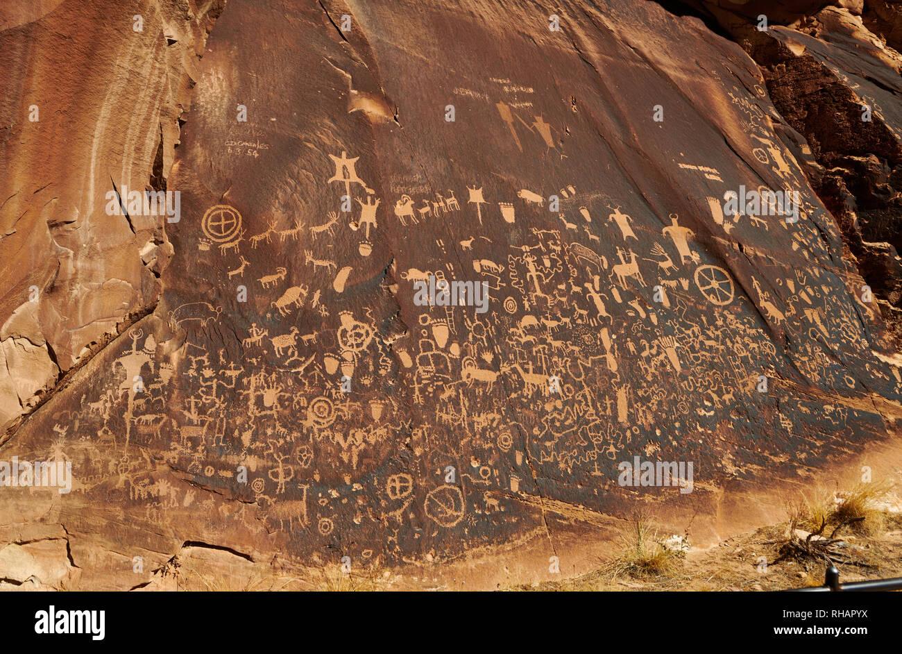 Newspaper Rock State Historical Monument, Utah, USA, North America - Stock Image