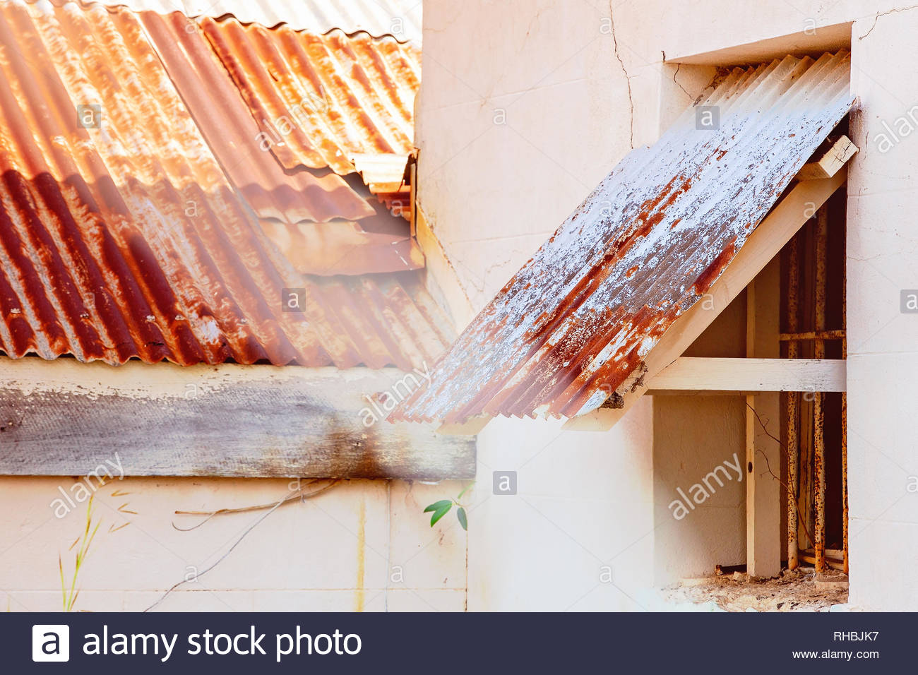 Corrugated Iron Shelter Stock Photos Amp Corrugated Iron
