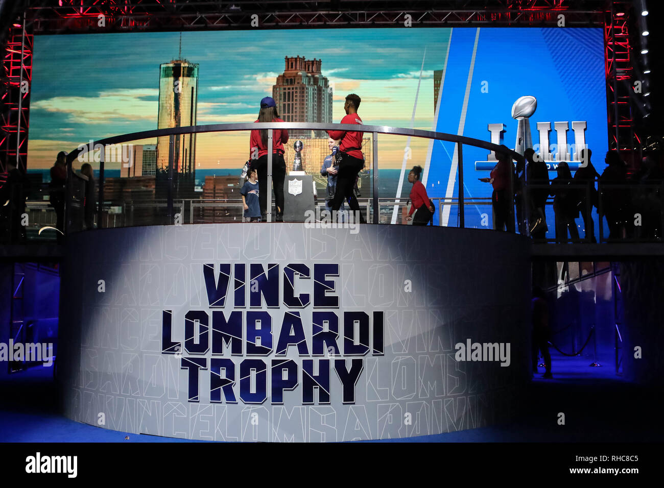 Vince Lombardi Trophy Stock Photos   Vince Lombardi Trophy Stock ... b4aa1d471