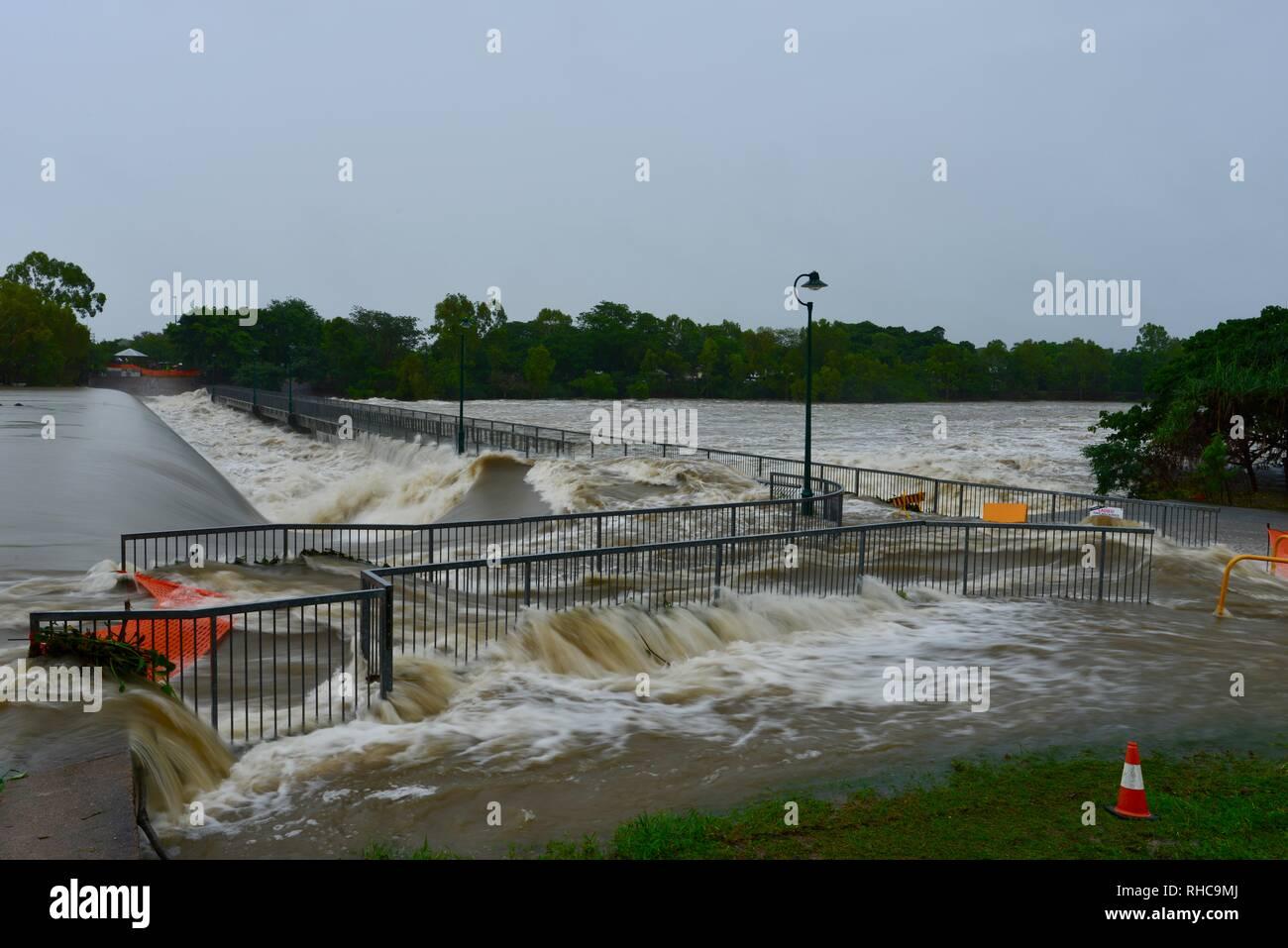 River Flood Debris Bridge Stock Photos & River Flood Debris