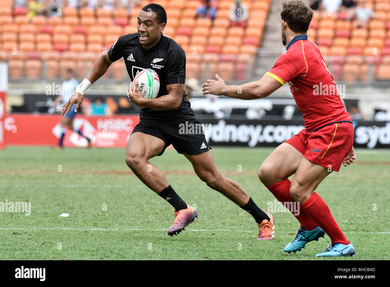 Spotless Stadium, Sydney, Australia. 2nd Feb, 2019. HSBC Sydney Rugby Sevens; New Zealand versus Spain; Sione Molia of New Zealand makes a run as Manuel Sainz-Trapaga of Spain approaches Credit: Action Plus Sports/Alamy Live News - Stock Image