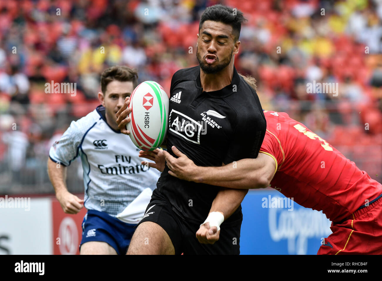 Spotless Stadium, Sydney, Australia. 2nd Feb, 2019. HSBC Sydney Rugby Sevens; New Zealand versus Spain; Regan Ware of New Zealand runs past Manuel Sainz-Trapaga of Spain on his way to scoring a try Credit: Action Plus Sports/Alamy Live News - Stock Image