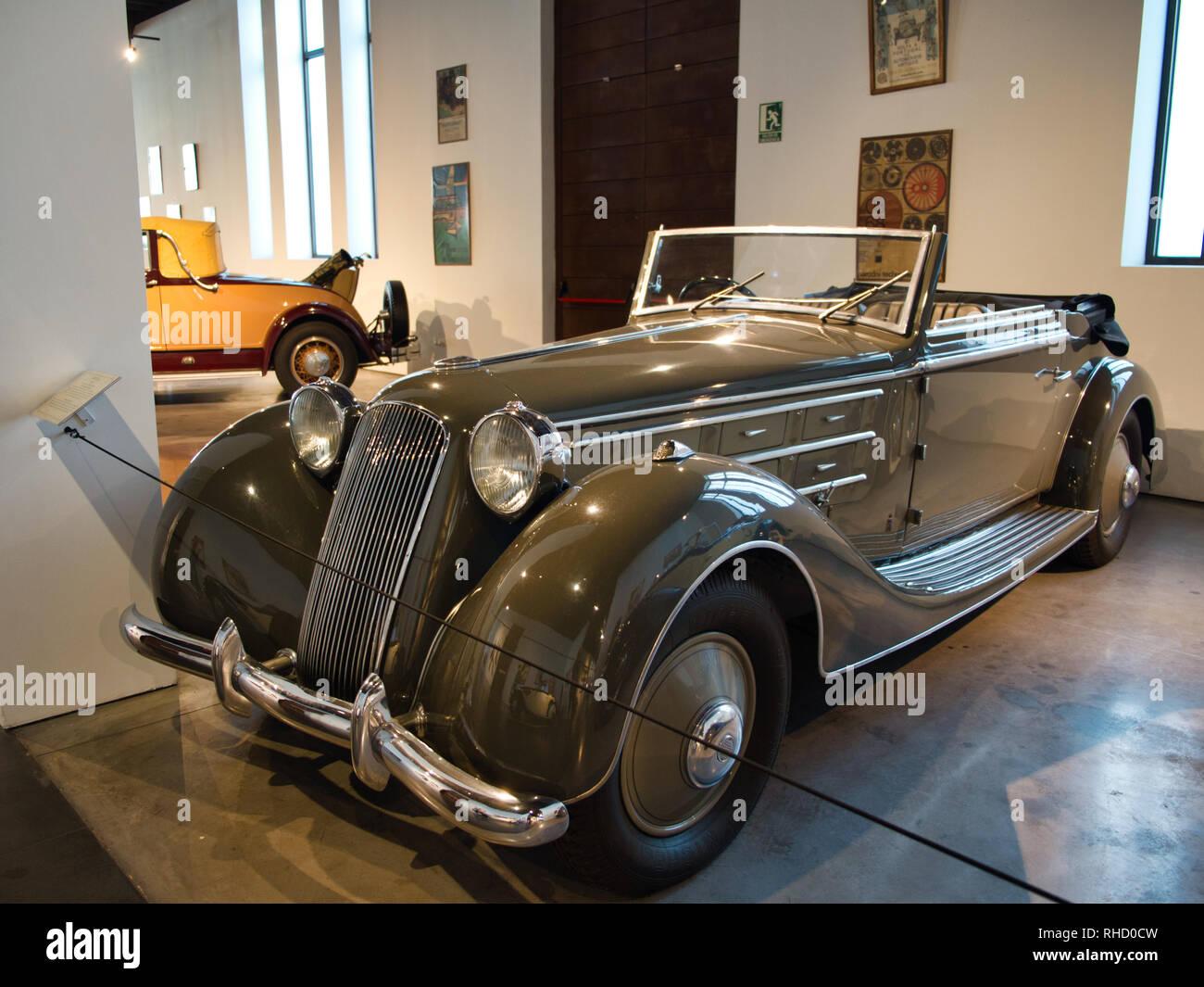 1934 Lancia Dilambda, 4000cc V8 100HP. 'Mussolini´s Parade Car'. Automobile museum of Málaga, Spain. - Stock Image
