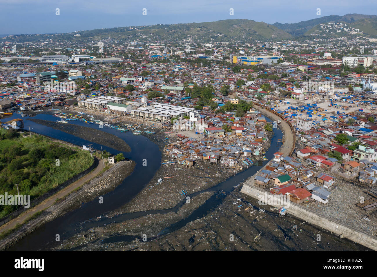 3/2/2019 Cebu City.Numerous Informal settlements such as this one in the foreground are located on the coastal City outskirts.Locally known as squatte - Stock Image