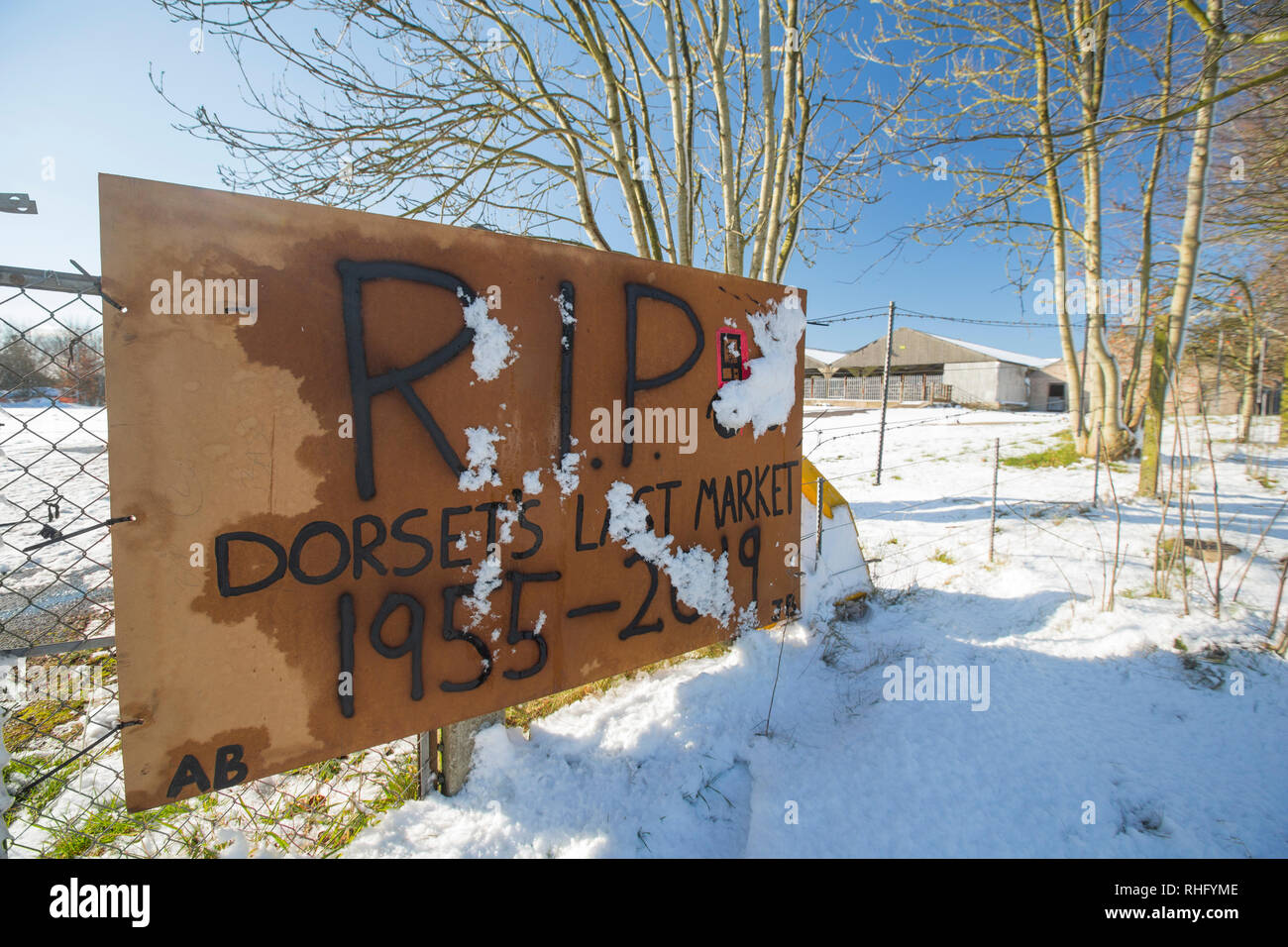 A sign with RIP Dorset's Last Market 1955-2019, outside the closed Shaftesbury Cattle Market where a Lidl supermarket is due to be built. Shaftesbury  - Stock Image