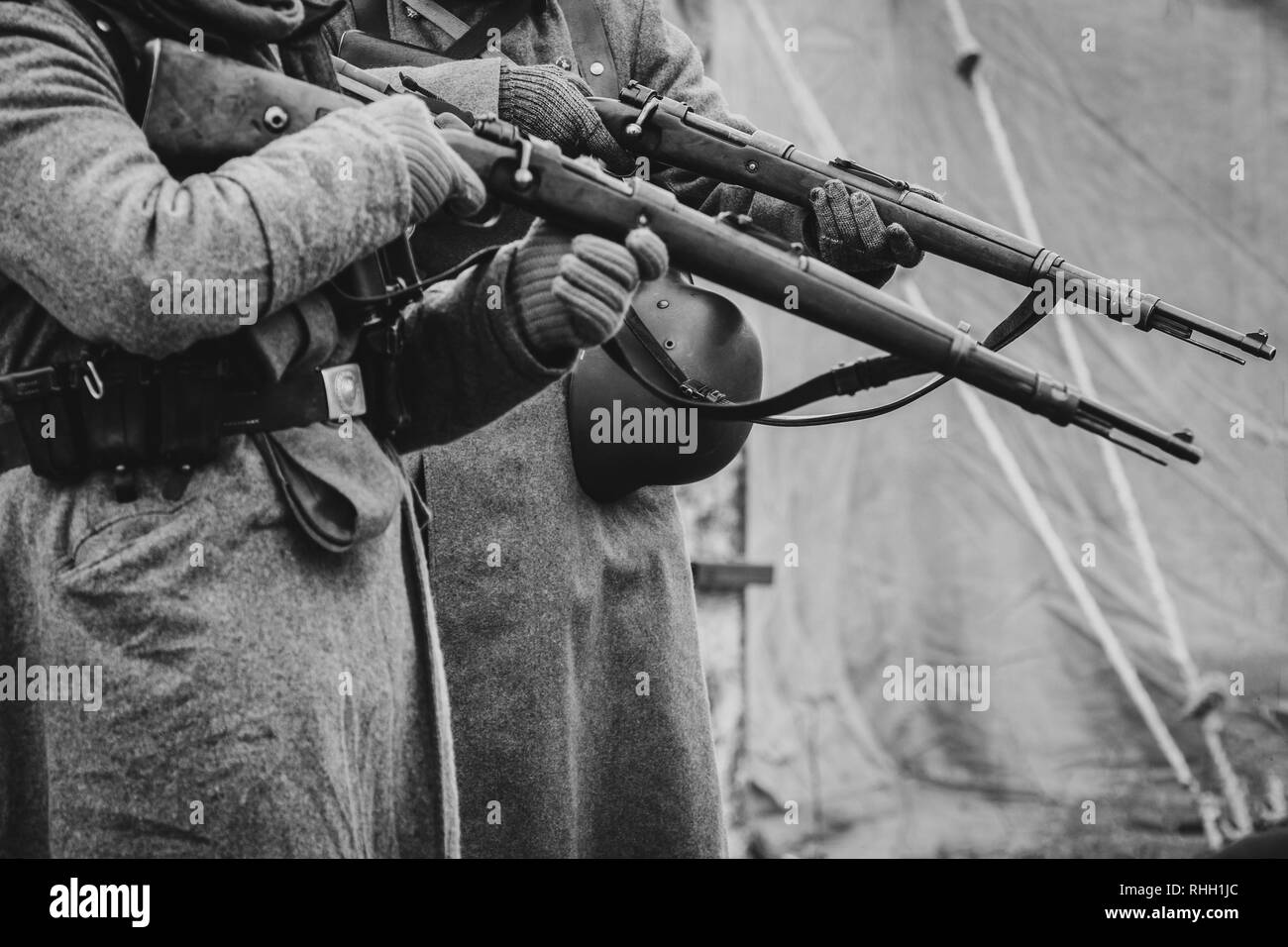 The soldiers of the German army the second world war with rifles - Stock Image