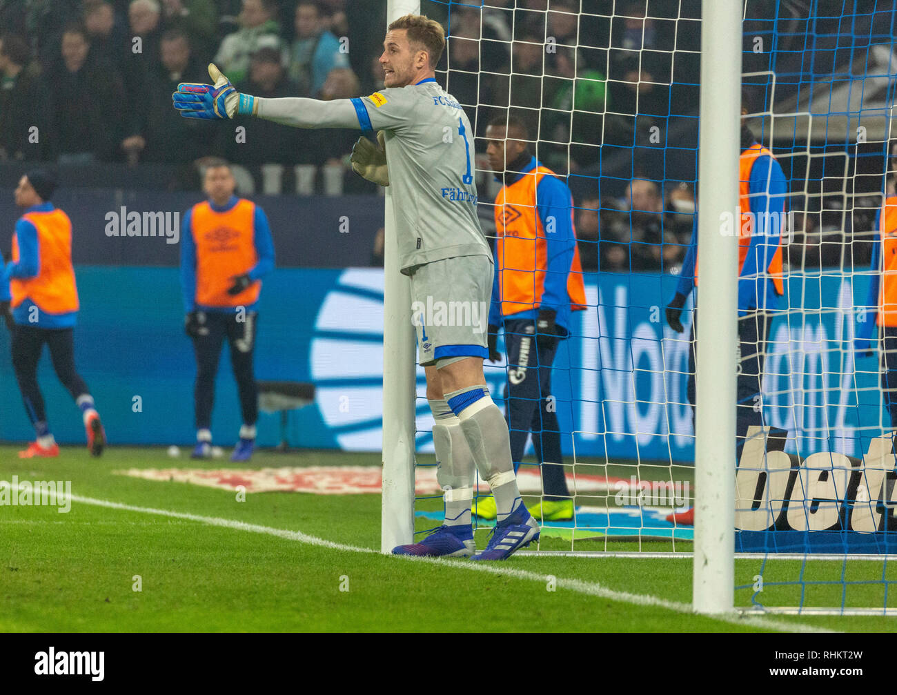 sports, football, Bundesliga, 2018/2019, FC Schalke 04 vs Borussia Moenchengladbach 0-2, Veltins Arena Gelsenkirchen, scene of the match, goal keeper Ralf Faehrmann (S04) exchanged against goal keeper Alexander Nuebel after sending-off, DFL REGULATIONS PROHIBIT ANY USE OF PHOTOGRAPHS AS IMAGE SEQUENCES AND/OR QUASI-VIDEO - Stock Image