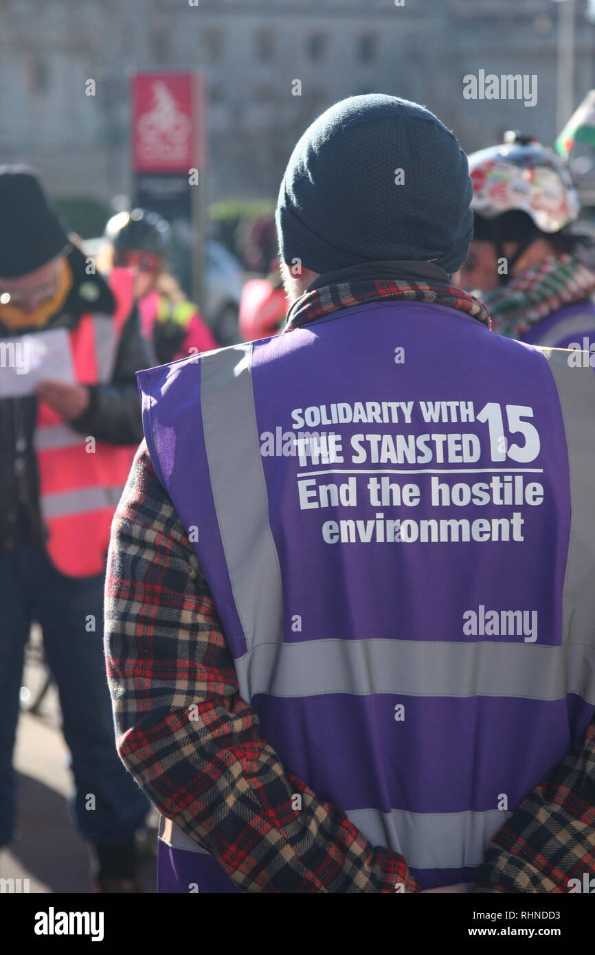 London, UK, February 3rd 2019. Cyclists gather in central London to take part in a ten mile ride in support of the 'Stansted 15'. Stewards wore purple hi-viz vests'. The 'Stansted 15' are a group of protesters who surrounded an aircraft at Stansted airport in 2017 to prevent it being used to carry out a deportation. The 15 have been found guilty of terrorism related charges and will be sentenced in Chelmsford on February the 6th. Roland Ravenhill/Alamy Live News - Stock Image