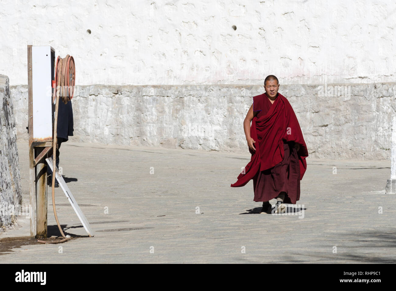 Tibetan Buddhist monk in Sera monastery, Lhasa, Tibet - Stock Image