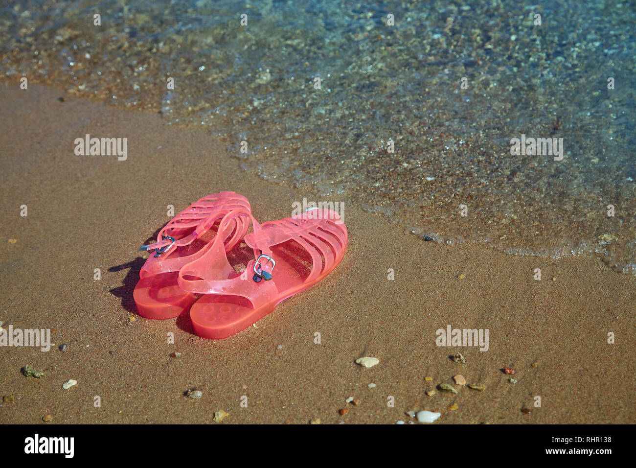 d2f39ae29c01 Pink Women s JELLY SANDALS on a sea shore. LADIES FLAT JELLIES SUMMER BEACH  SHOES.