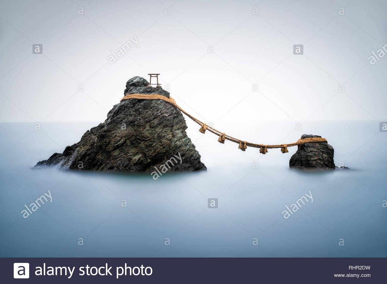 Sacred Meoto Iwa Rocks, Futami, Mie Prefecture, Japan - Stock Image