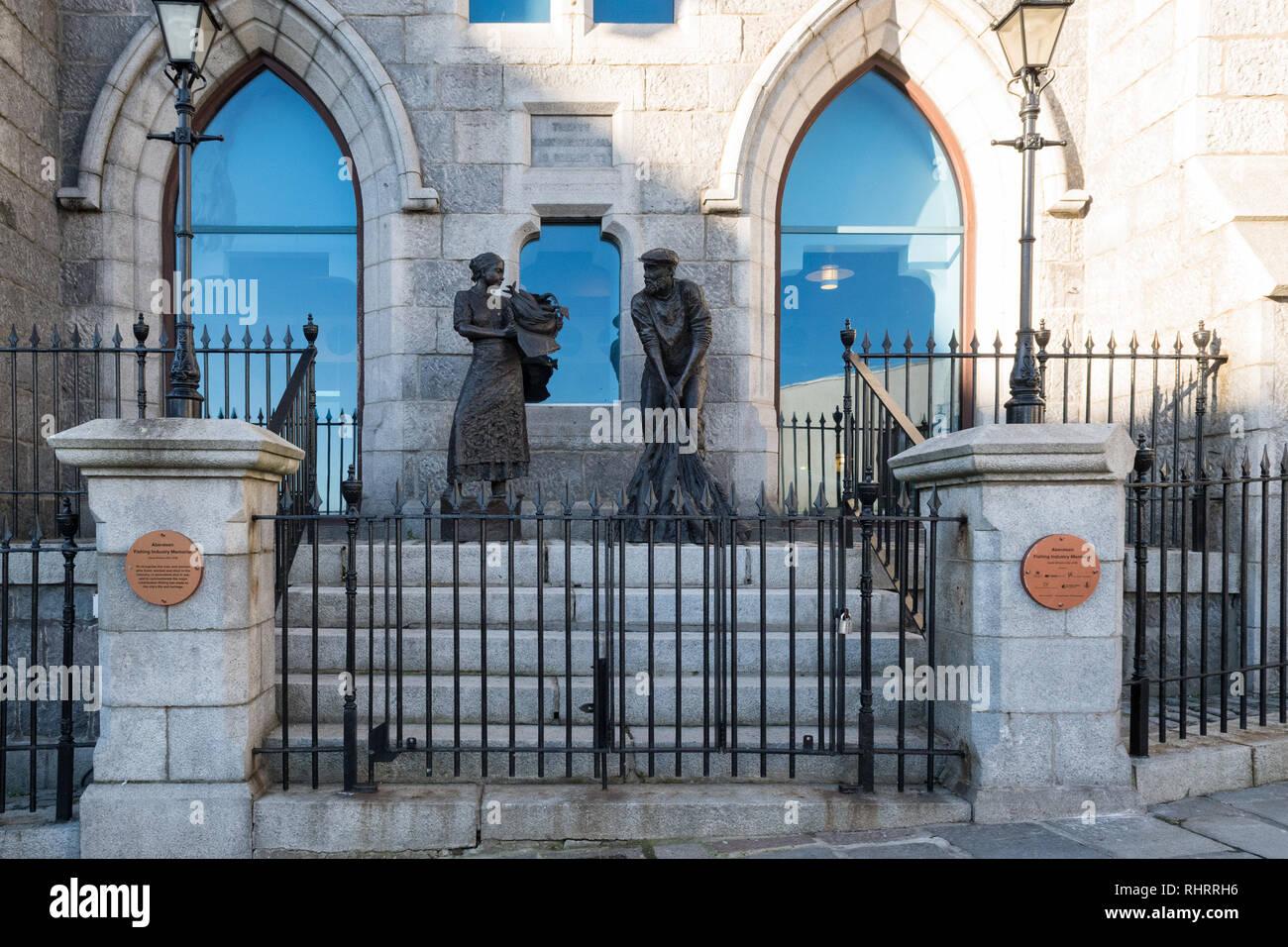 Aberdeen fishing industry memorial outside the Maritime Museum, Shiprow, Aberdeen, Scotland, UK - Stock Image