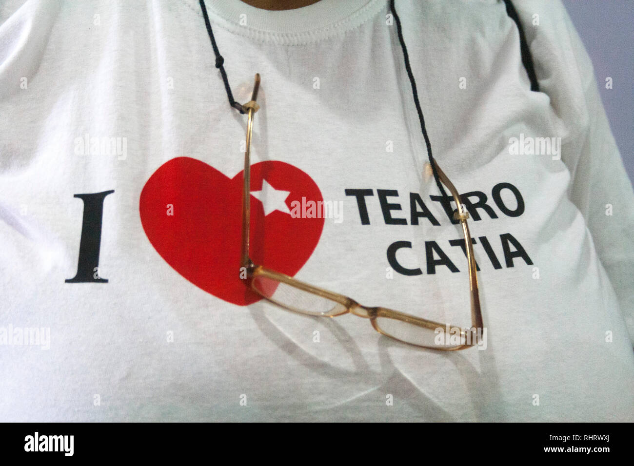 Caracas, Dtto Capital / Venezuela - 03/05/2013. T-Shirt  with message   I love Catia Theater, Catia Theater in Catia neighborhood. - Stock Image