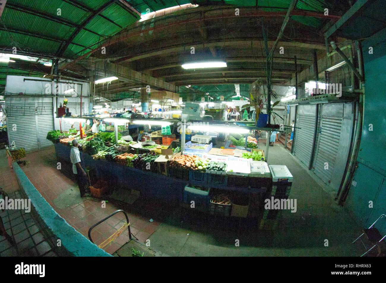 Caracas, Dtto Capital / Venezuela - 04-02-2012 :  People buying in a famous popular market in San Martín Avenue. Stock Photo