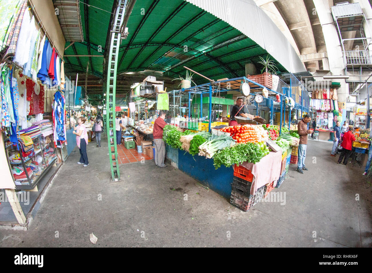Caracas, Dtto Capital / Venezuela - 04-02-2012 :  People buying in a famous popular market in San Martín Avenue. Stock Photo