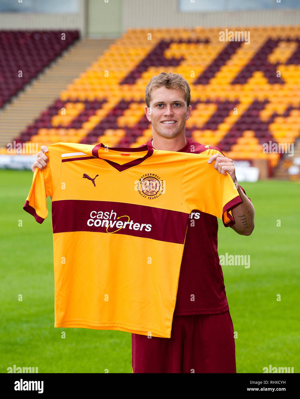 New Motherwell FC signing, Nicky Law is unveiled at Fir Park.  Lenny Warren / Warren Media  07860 830050 01355 229700 lenny@warrenmedia.co.uk www.warr Stock Photo