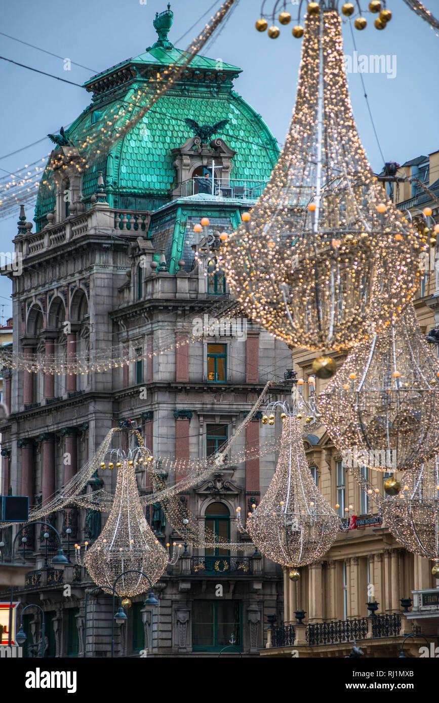 Palais Equitable with Christmas lights seen from Graben, a mansion in Stock-im-Eisen-Platz (now part of Stephansplatz), Innere Stadt, Vienna, Austria. - Stock Image