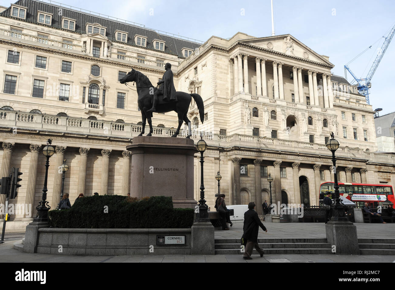 Equestrian Statue of the Duke of Wellington 1844 in front of Bank of England in City of London, London, England, United Kingdom. October 24th 2008 © W - Stock Image