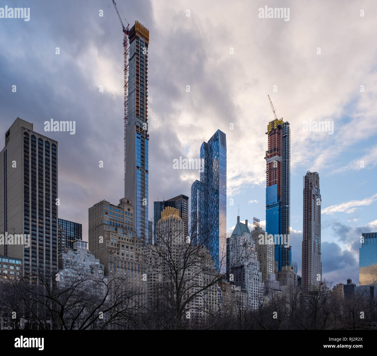 Cityscape Apartments: Manhattan 2019 Stock Photos & Manhattan 2019 Stock Images