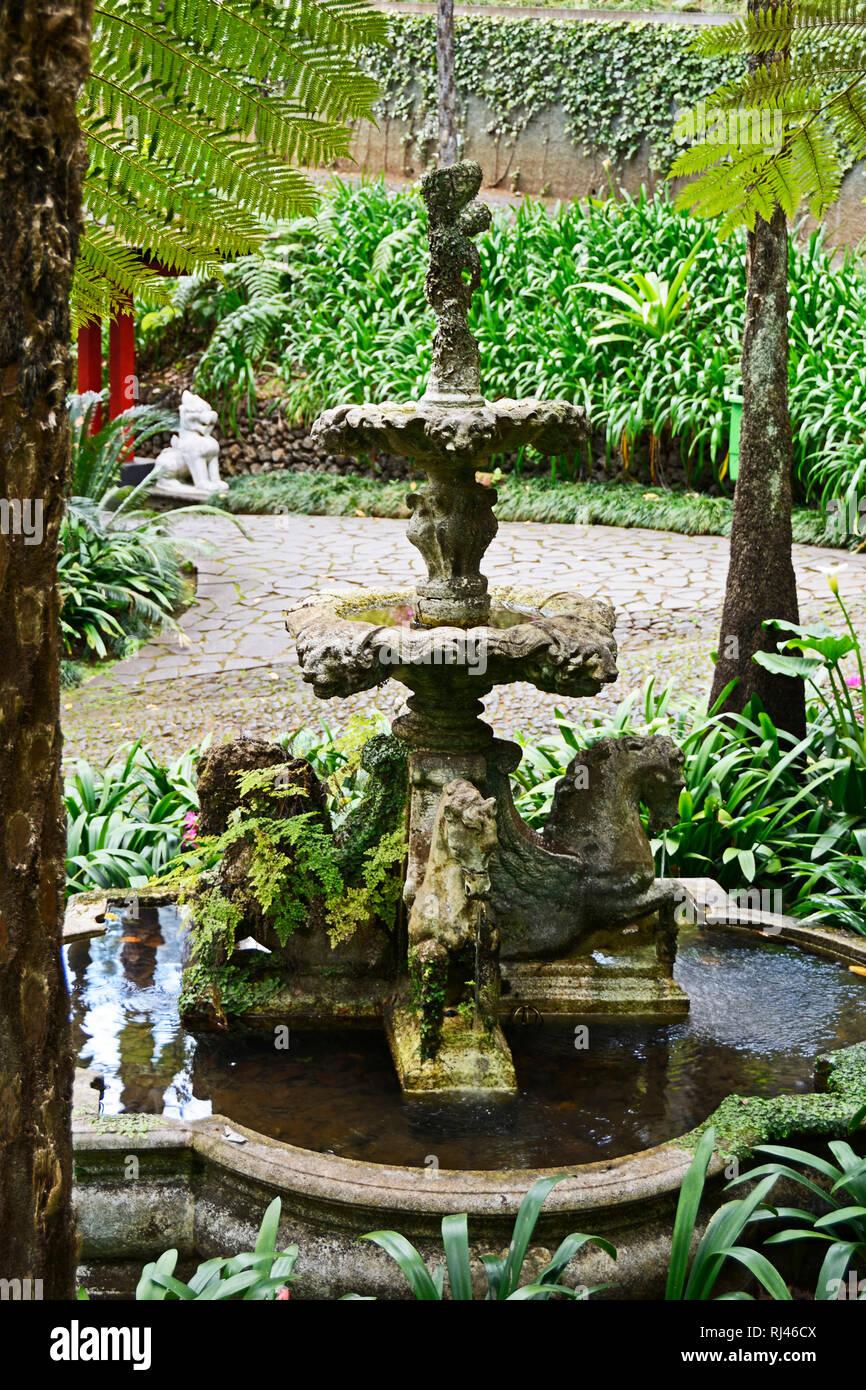 Botanischer Garten Italien Gardasee: Brunnen Garten Stock Photos & Brunnen Garten Stock Images