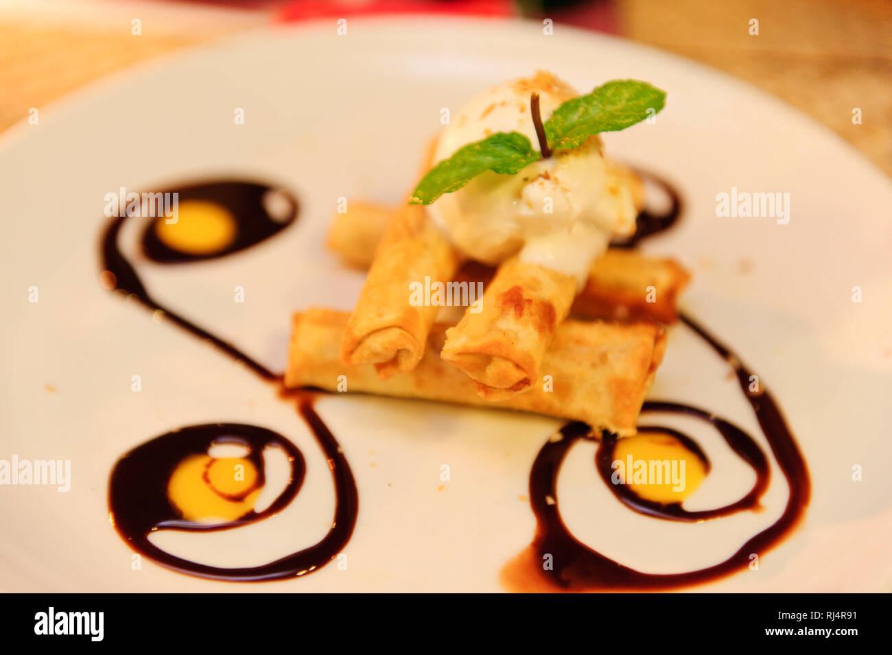 Asien, Indonesien, Bali, Ubud, Dessert in einem Restaurant, - Stock Image