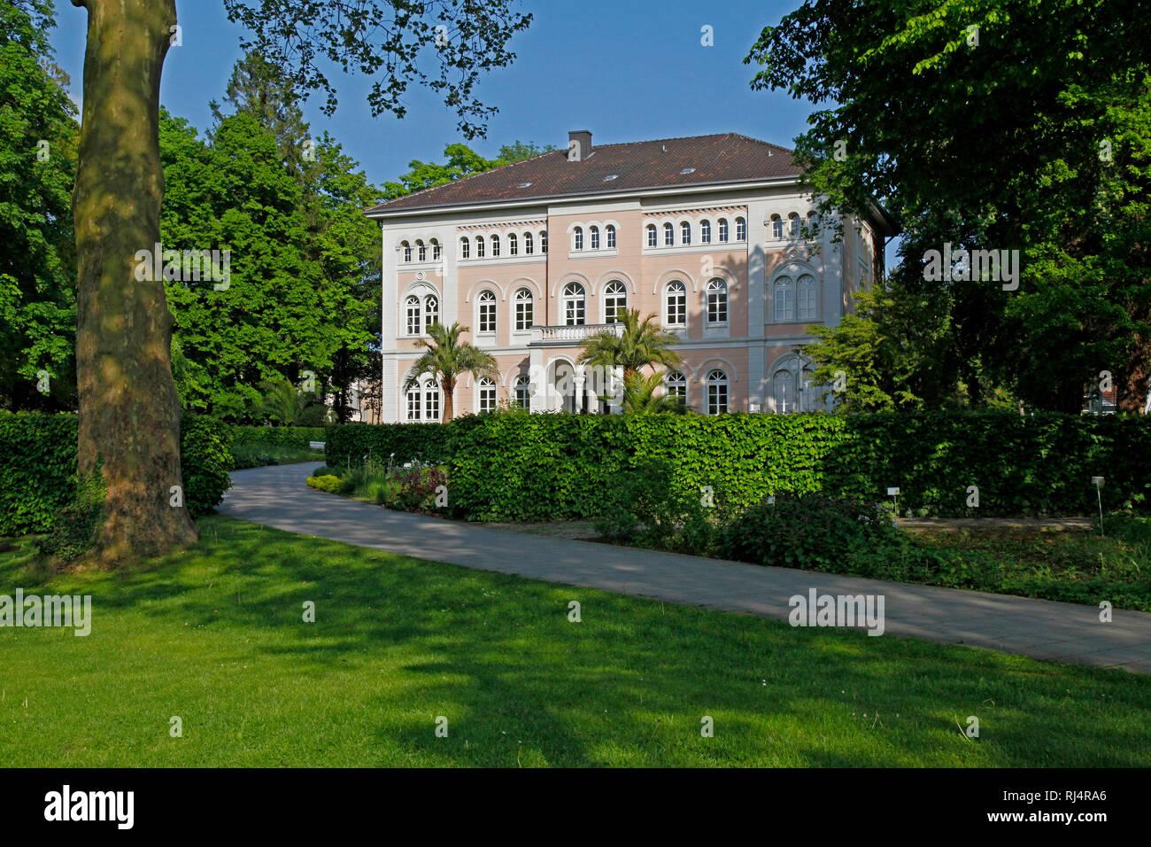 Deutschland, Nordrhein-Westfalen, Bad Lippspringe, Ldkrs. Paderborn, Arminiuspark, - Stock Image