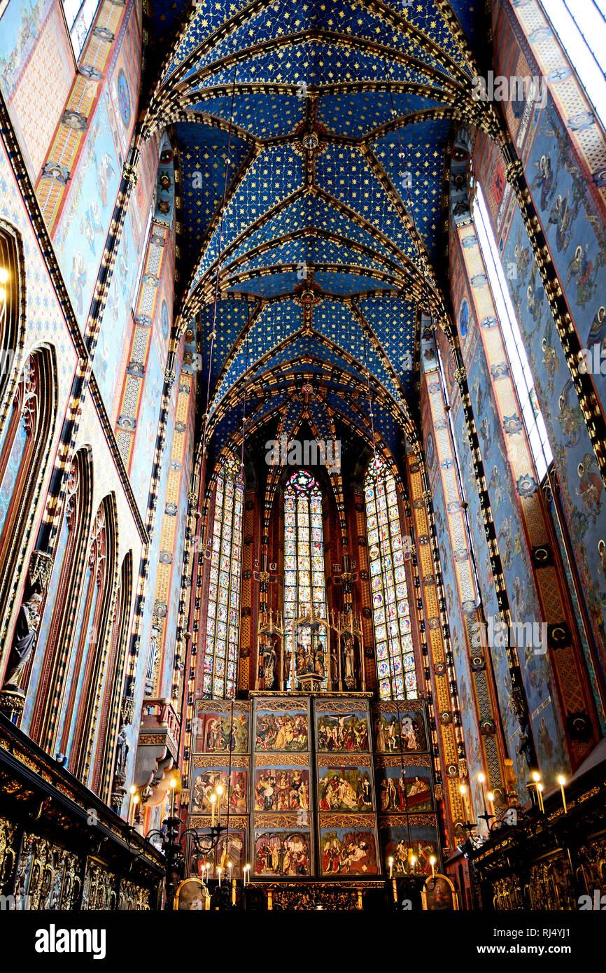 Polen, Innenraum der Marienkirche in Krakau - Stock Image