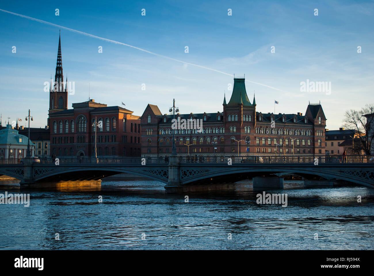 Blick auf Riddarholmen mit Riddarhuset, Riddarholmskyrkan und Norstedtshuset, Stockholm - Stock Image