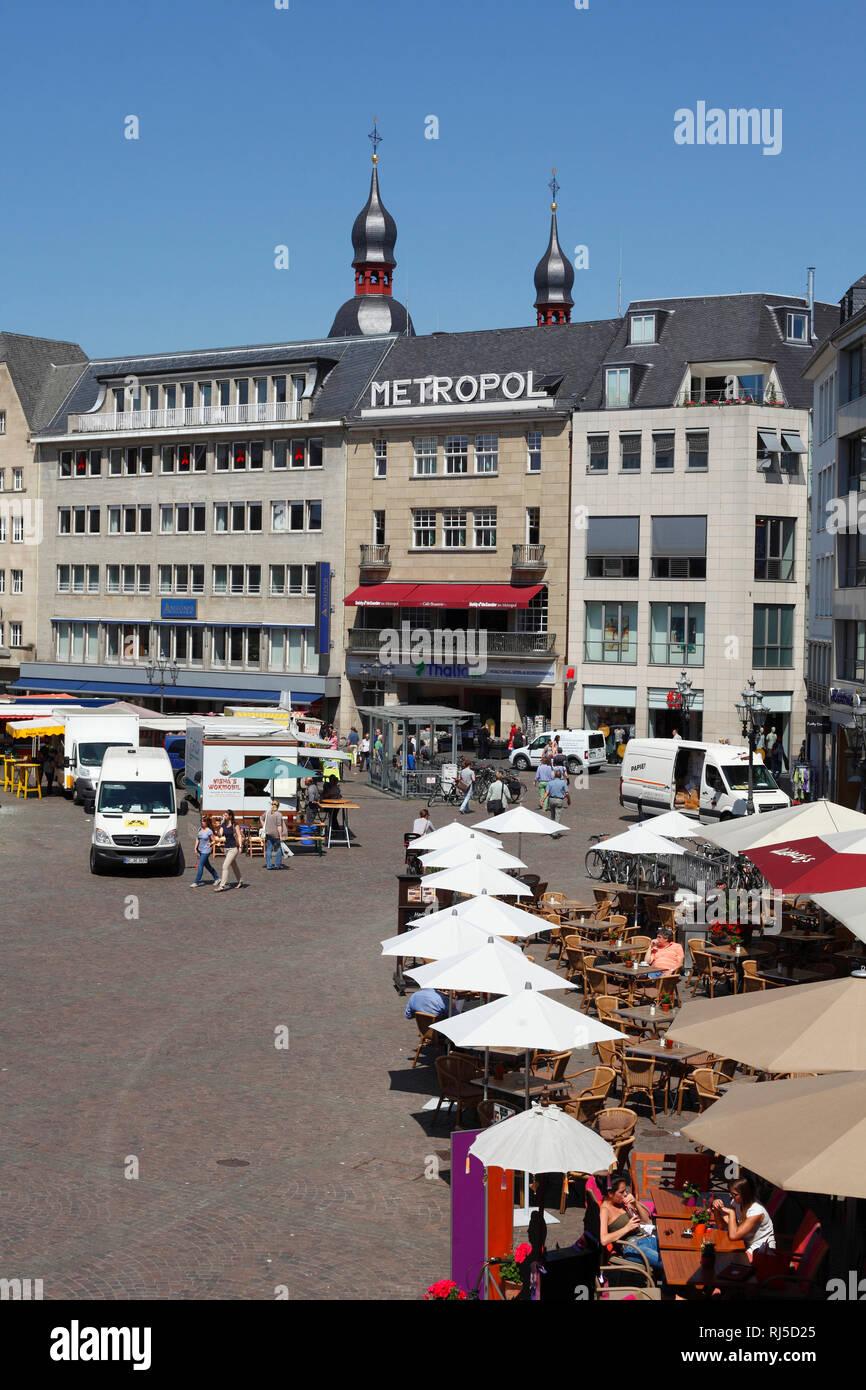 Marktplatz, Marktstände, Haus Metropol, Bonn, Nordrhein-Westfalen, Deutschland, Europa - Stock Image