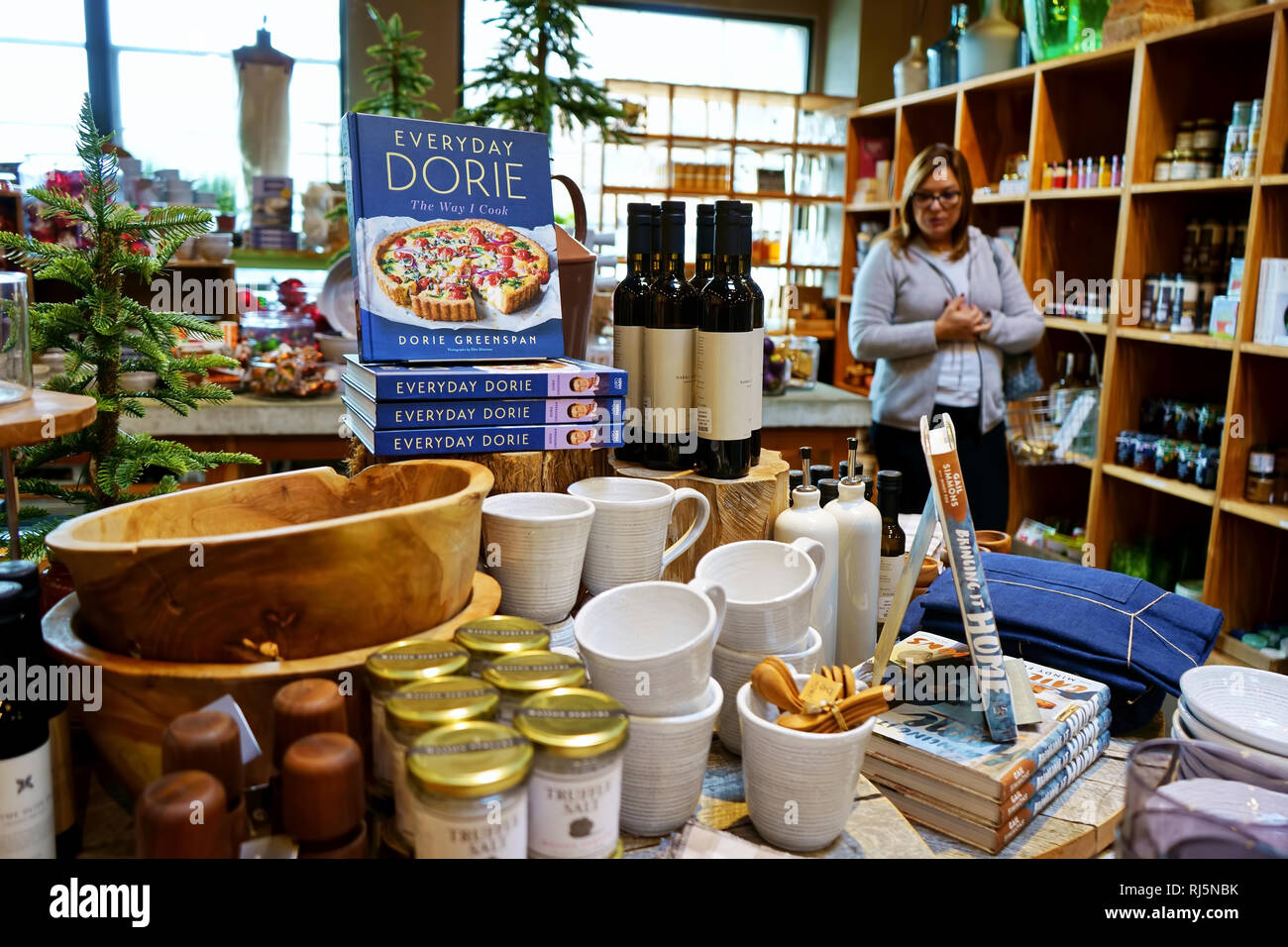Women shopping at specialty stores for unique hand crafted household amenities. - Stock Image
