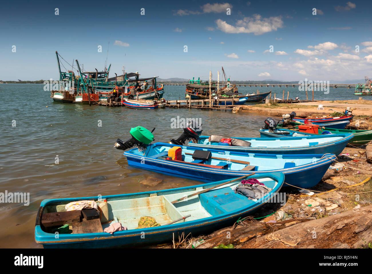 Cambodia, Preah Koh Kong, Prek Kaoh Pao river colourful fishing boats on messy shore Stock Photo