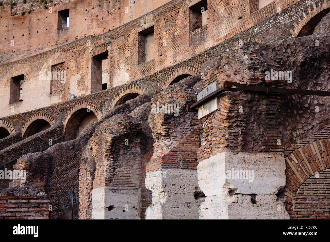 Europa, Italien, Latium, Rom, Architekturdetail im Kolosseum Stock Photo