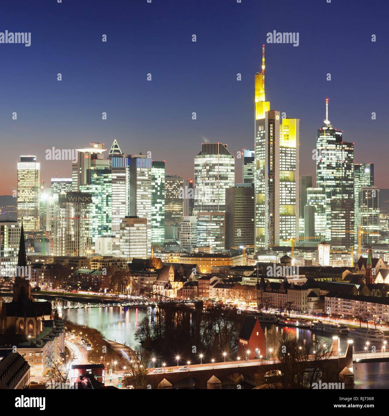 Skyline mit Bankenviertel und Kaiserdom, Frankfurt, Hessen, Deutschland - Stock Image