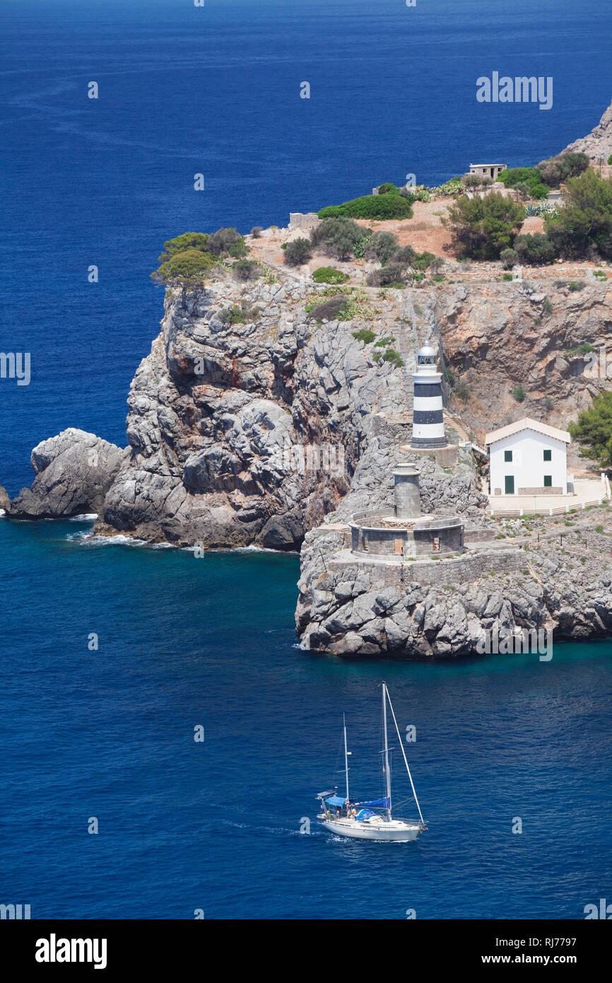 Leuchtturm Far de sa Creu an der Hafeneinfahrt, Port de Soller, Mallorca, Balearen, Spanien Stock Photo