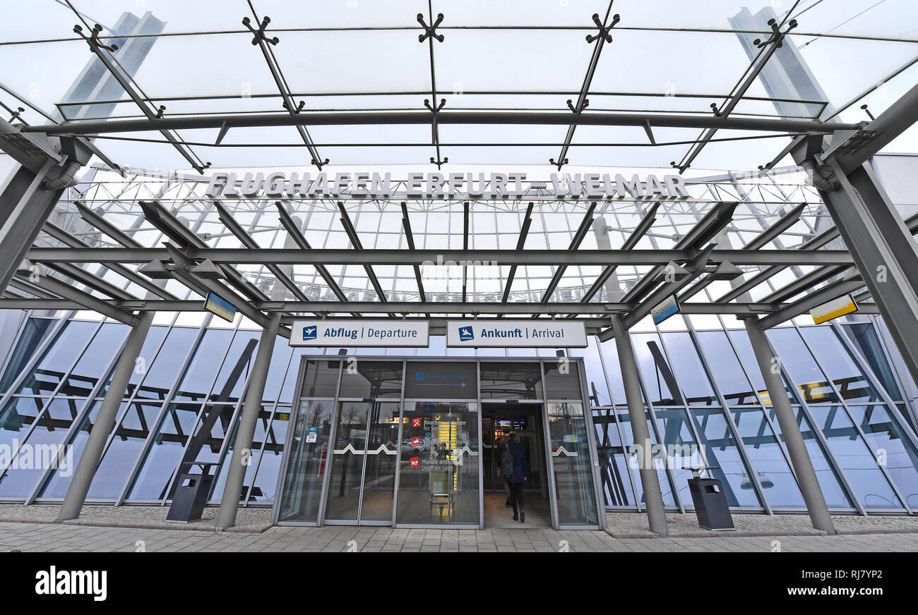 Erfurt, Germany. 05th Feb, 2019. The main entrance to Erfurt-Weimar Airport. The bankruptcy of the airline Germania also tears a gap into the flight schedule of Erfurt-Weimar airport. The connections to Hurghada, Tenerife, Fuerteventura, Antalya and Gran Canaria are affected. Credit: Martin Schutt/dpa-Zentralbild/dpa/Alamy Live News - Stock Image