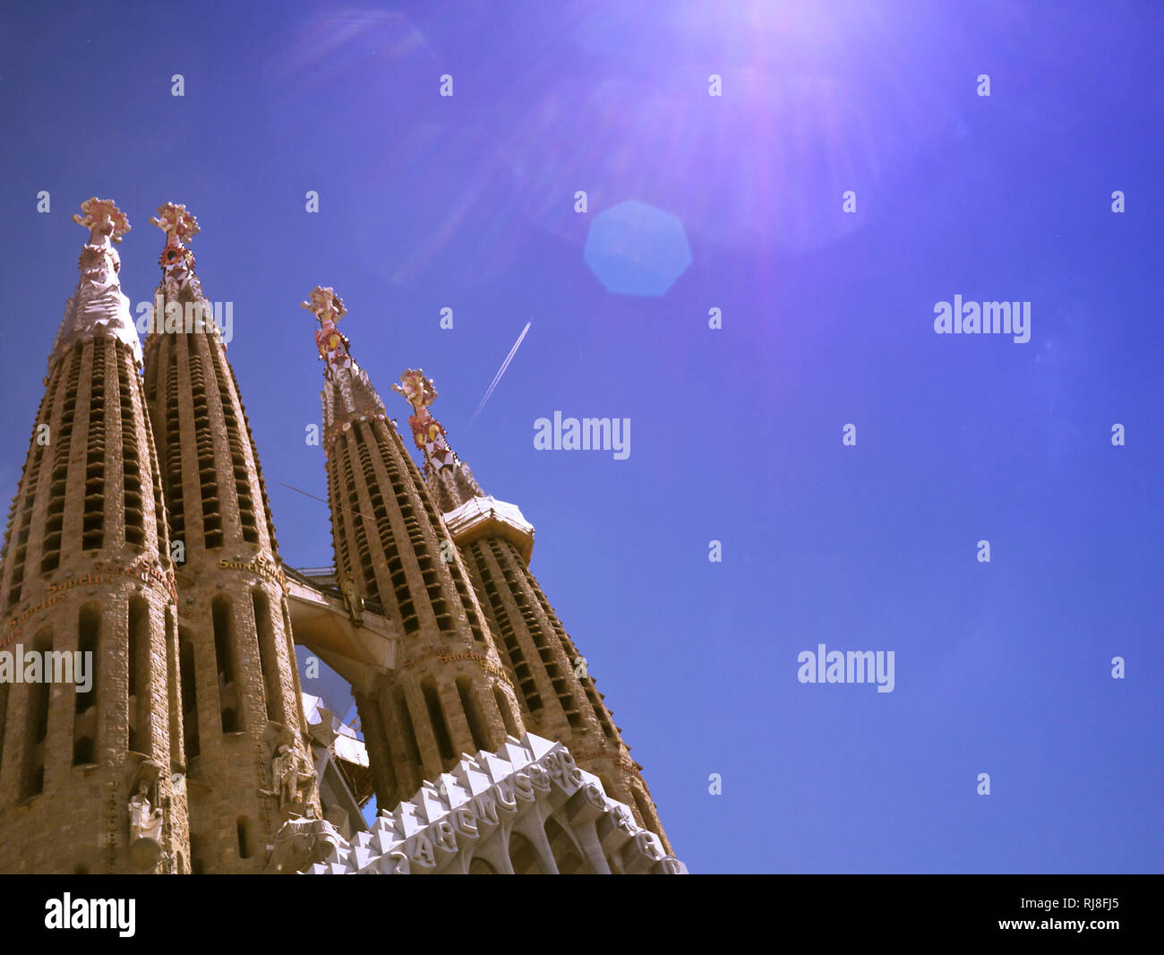 Sagrada Familia, Detail, Türme, blauer Himmel - Stock Image