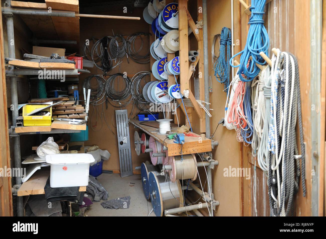 Bootsbau, Werkstatt, Werkzeuge und Zubehör - Stock Image